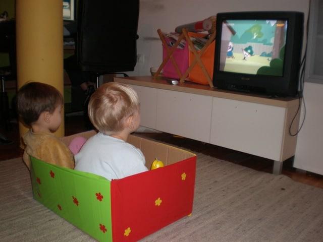 Ukrasne kutije za igračke (i djecu po potrebi) • Reci Peci