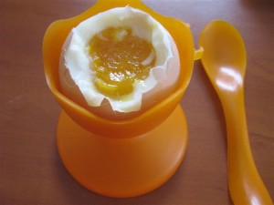 Polumeko kuhano jaje
