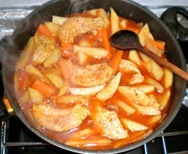 Brza piletina s krumpirom i mrkvicom