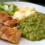Mladi grašak 'na gusto' sa pečenom piletinom