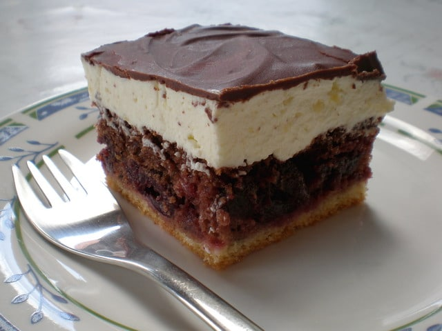 Objavljeno u Kolači , kremasti kolači , Recepti | 1 komentar