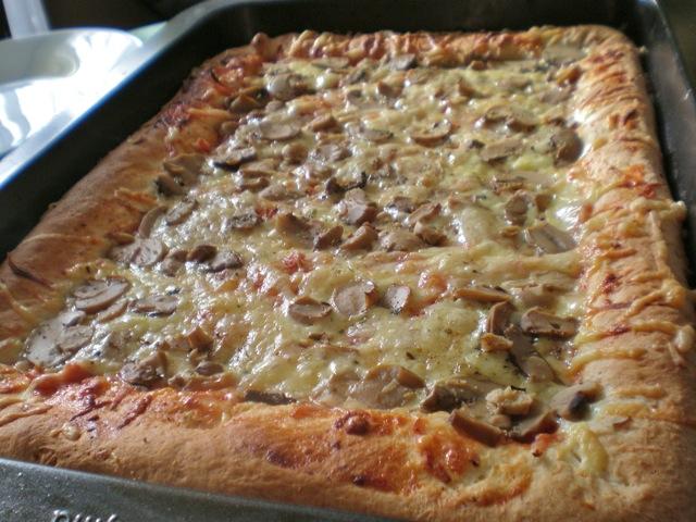 Pizza s punjenim rubovima