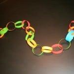 Božićni ukrasi od papira – lančići, pahuljice, lampioni…