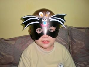 Maske od papira u obliku šišmiša