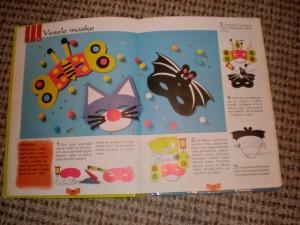 Pogled u knjigu Dječje aktivnosti kroz godinu