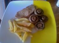 Naravni odresci s pečenim krumpirićima