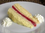 Kremasti kolač od jagoda i vanilije