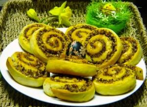 Fotografija medenih ružica sa čokoladom i lješnjacima