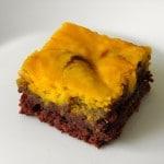 Sočne kocke s bundevom – Chocolate Pumpkin Swirl Cake