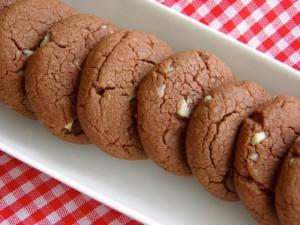 Čokoladni raspuknuti keksići - čisti čokoladni užitak
