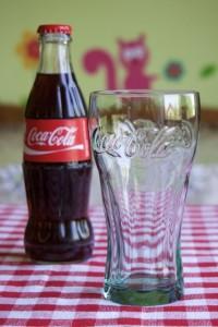 Pripremiti čašu za Coke Float