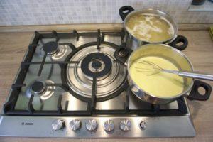Sukahti tjesteninu i napraviti bechamel umak