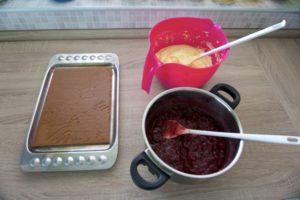 Pripremiti kreme i biskvit