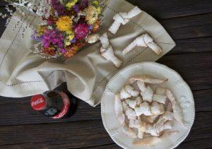 Posipati šećerom u prahu i poslužiti!
