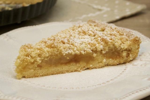 Pita od jabuka i krušaka sa mrvicama od maslaca • Reci Peci