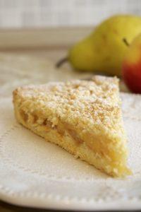 Pita od jabuka i krušaka sa mrvicama