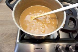 Dulce de leche nakon 2,5 sata kuhanja je ovakve boje