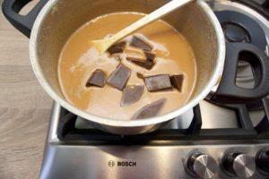 Dodajte čokoladu