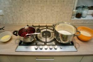 Pripremiti sve za kuhanje krema