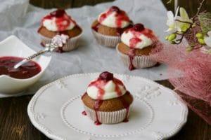 Schwarzwald muffini kao cupcake